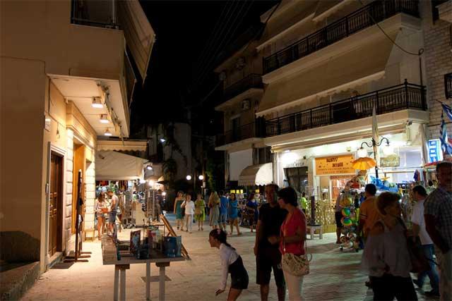 Город Тасос ночью